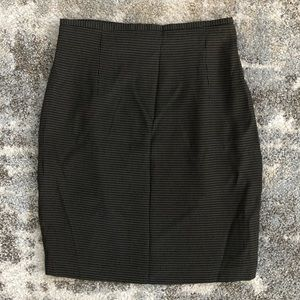 The limited black and green skirt